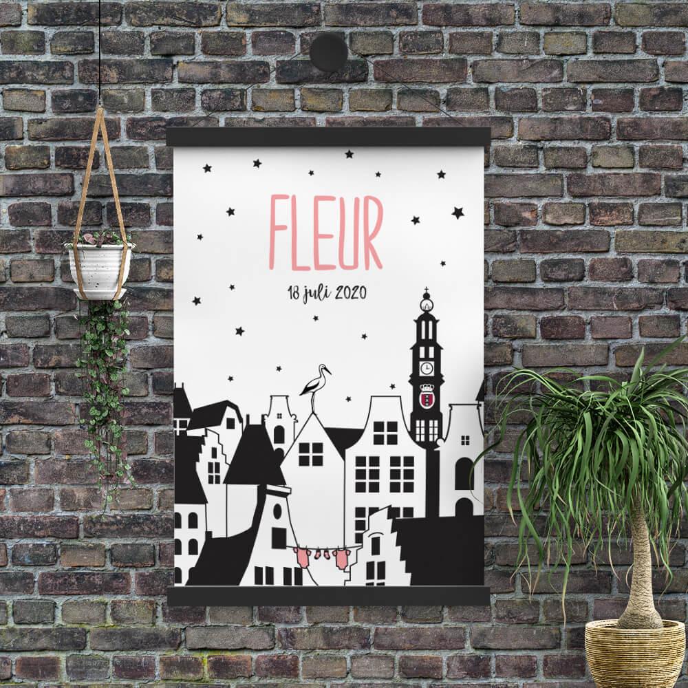 De Westertoren staat trots op deze poster, die aansluit bij geboortekaartje Kleine Amsterdammer. Het is een poster ontwerp en is een ode aan Amsterdam.