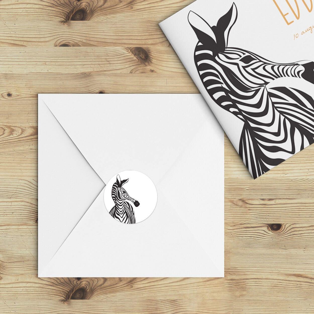 De perfecte manier om de envelop een extra touch te geven; verstuur geboortekaartje Zebra Parade in combinatie met deze sluitzegels.