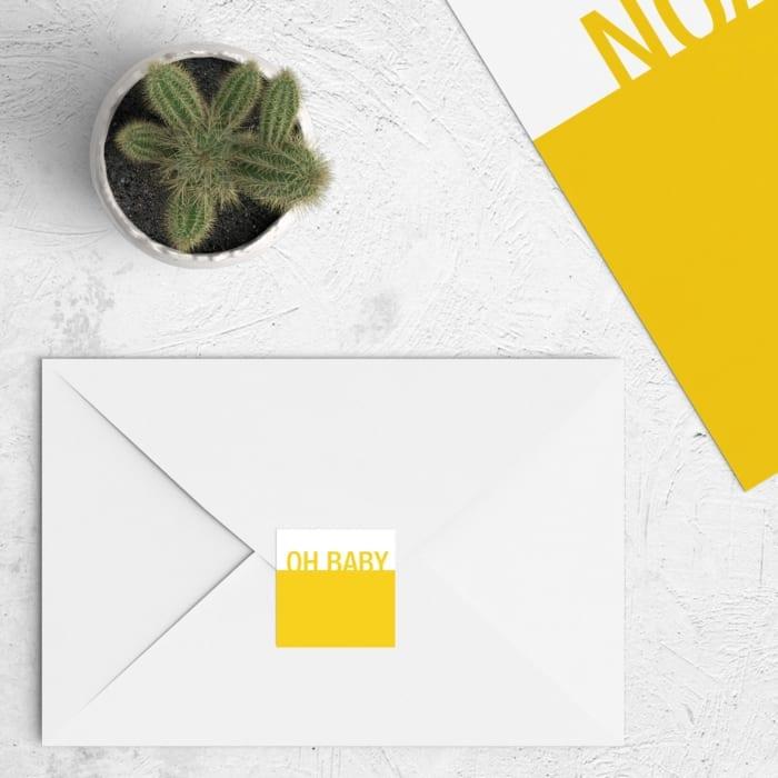 Dit abstracte ontwerp sluit aan bij geboortekaartje Kleuren kan precies zo aangepast worden als het kaartje, zodat het perfect bij elkaar past.