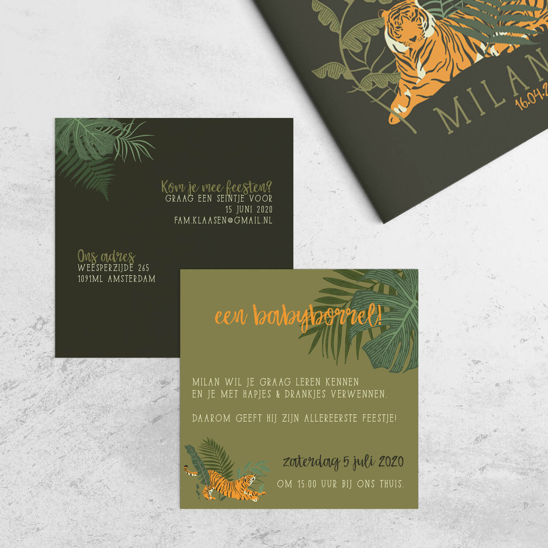 De tijger van de gelijknamige geboortekaart doet ook op deze bijpassende kraamborrel uitnodiging goed zijn best. Leuk extra detail, dat perfect aansluit bij het kaartje.