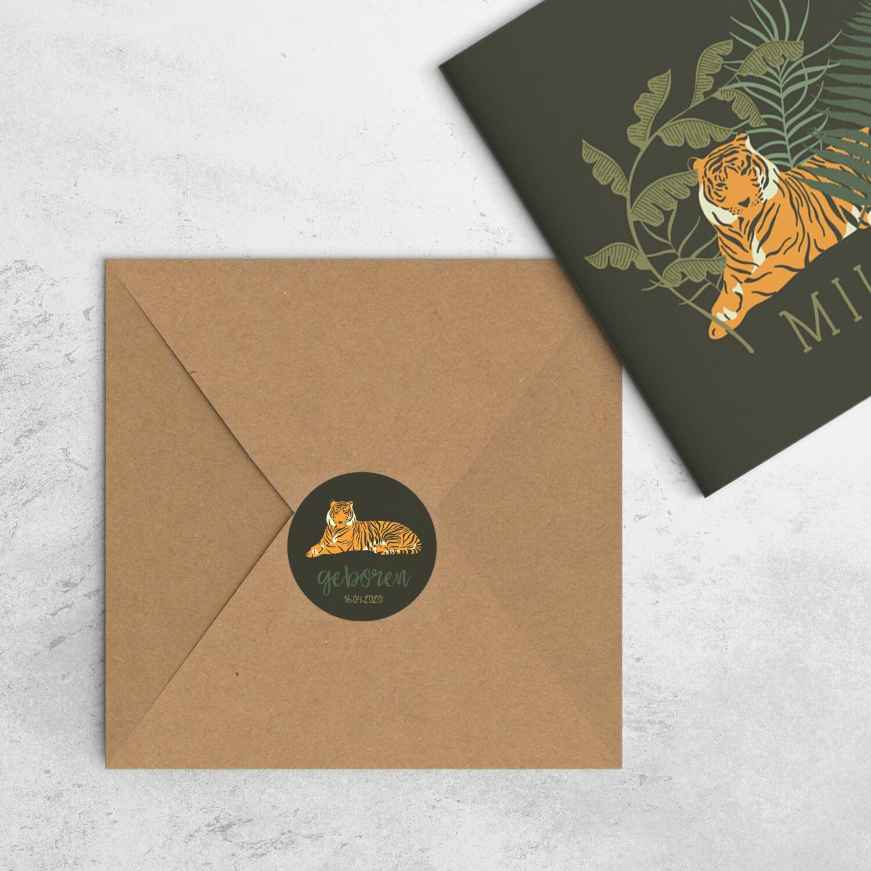 Ronde sluitzegel Tijger past perfect bij het gelijknamige geboortekaartje en kan gebruikt worden om de envelop makkelijk te sluiten of bij de doopsuiker.