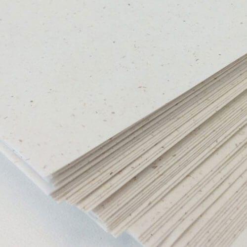 Papiersoorten Geboortekaartjes - Vibers is gemaakt van olifantsgras en is milieuvriendelijk en duurzaam.